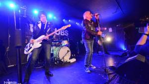 UK Subs se svou punkovou smrští po roce znovu rozproudili pražské Rock Café