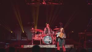 Kelly Family oslavili v O2 areně 25 let svého slavného alba Over The Hump