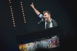 Marek Ztracený předvedl skvělou show ve vyprodané O2 areně. Přizval si Františka Nedvěda i Hanu Zagorovou