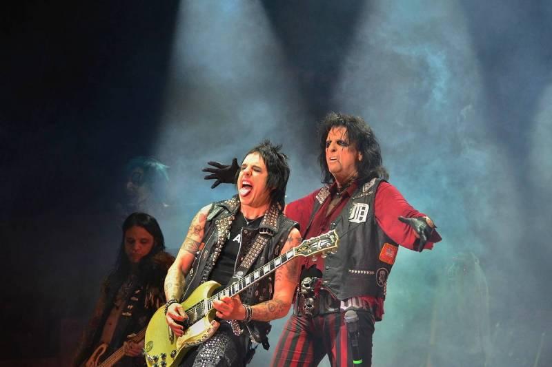 Když se ještě mohlo ven | Martin Hanáček vzpomíná na Lemmyho, ZZ Top a další hlučné legendy