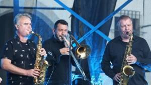 J.A.R. pobavili Brno. Adéla Elbel si koncert nadělila k narozeninám