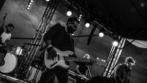 Michal Hrůza s kapelou vystoupil v třebívlickém vinařství