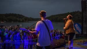 ATMO Music v Hostivaři. Přehrady Fest skončil kvůli dešti a větru dříve, na Calltu nedošlo