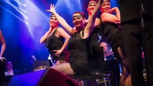 Original Vintage Orchestra rozparádil Lucerna Music Bar, židličkám navzdory
