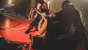 Vánoční besídka Cocotte Minute byla metalovou kaňkou za pofidérním rokem 2020