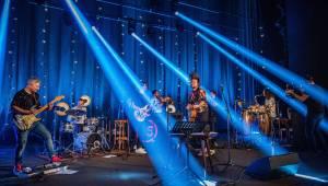 Bohatý program včetně studia Ligy mistrů. Streamovaný koncert Kryštof byl plnohodnotnou show