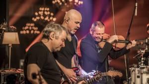 Mňága a Žďorp zahájila jarní turné a bylo to Spešl. Petr Fiala oslavil narozeniny, blahopřáli Tomáš Hanák, Petr Váša i Čechomor