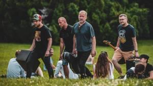 Lucie odehrála utajený minikoncert v Riegrových sadech