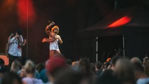 Kapitán Demo oslavil v Ledárnách Braník narozeniny svých fanoušků novým singlem