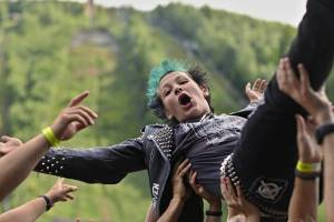 Pod harrachovským můstkem zakotvila Keltská noc, zahráli Tři sestry, Horkýže Slíže, Vypsaná fiXa nebo Wohnout