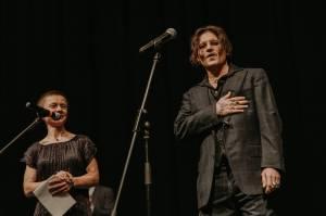 Johnny Depp potěšil fanoušky na KVIFF, v Karlových Varech uvedl film Hrnec zlaťáků
