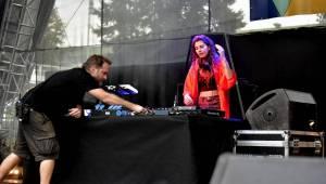 Páteční Metronome Prague Warm Up proběhl ve znamení elektroniky a DJů