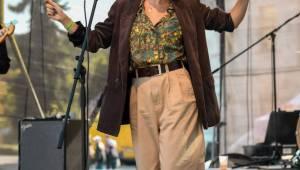 Festival Mezi ploty přivítal Emmu Smetanu nebo Tomáše Kluse. Ten odehrál svůj první půlhodinový koncert v životě