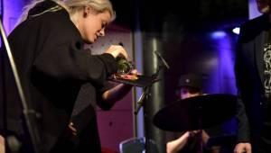 Vladivojna La Chia pokřtila v Jazz Docku nové album, přivezla si Terezii Vodičku Kovalovou a Tepe a září