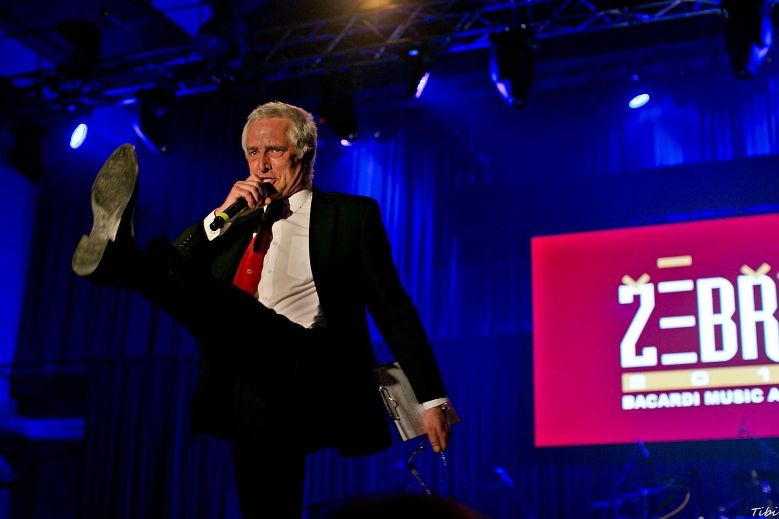 Hudební ceny Žebřík startují, výsledky vyhlásí Tomáš Hanák a Barbora Poláková 11. března v Plzni