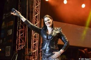 Zpěvačka Nightwish Floor Jansen očekává rodinu. Koncerty finské symfonicko-metalové legendy jsou v ohrožení
