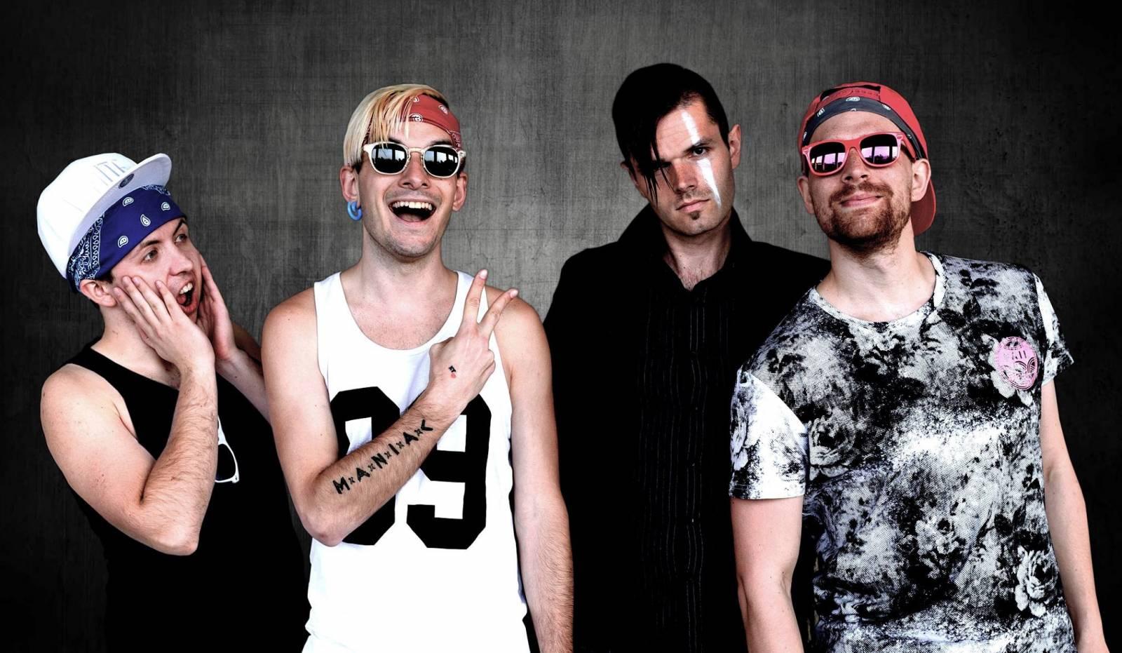 VIDEO: Lollipop-punková kapela Maniac natočila po úspěšném tracku Čapí i rasistický videoklip. Ten navazuje na původní příběh
