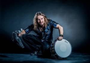 VIDEO: Miloš Meier vyráží na první část Drumming Syndrome Tour. Podívejte se na jeho medley