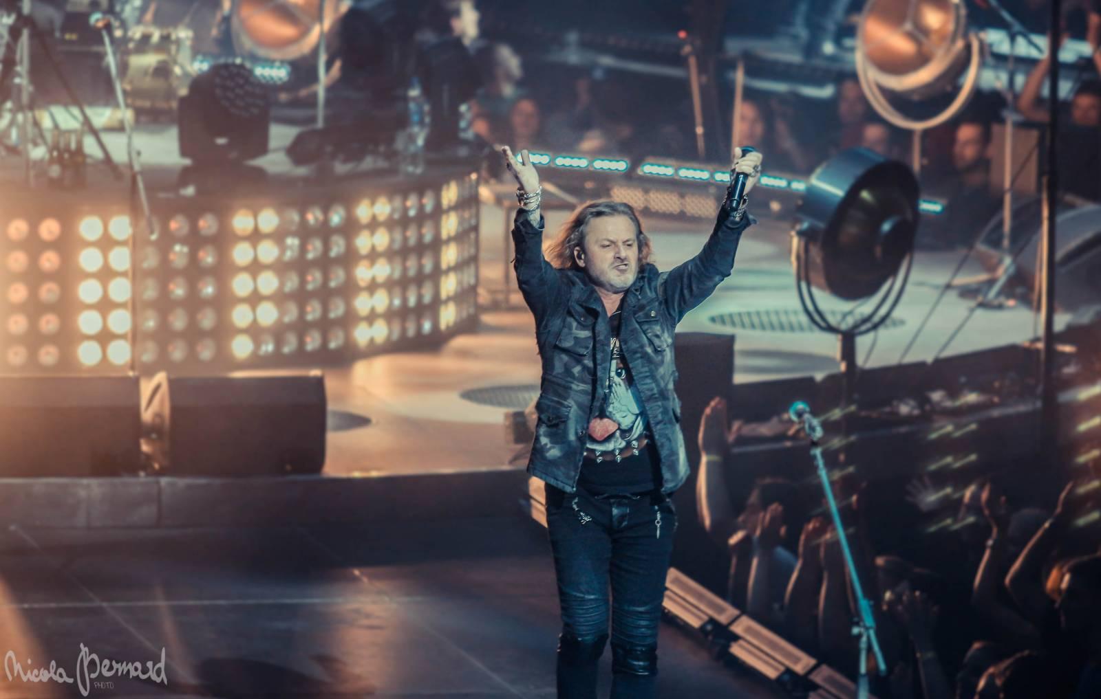 LIVE  Kabát uzavřel turné skvělou show v O2 areně s rekordním počtem ... e516cbbbb27