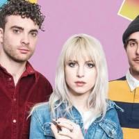 TOP 6 videoklipů týdne: Paramore poukazují na falešné úsměvy, Eddie Stoilow hrají z hecu