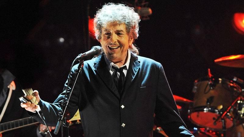 LIVE: Elegán Bob Dylan za sebe v Brně nechal mluvit svou hudbu