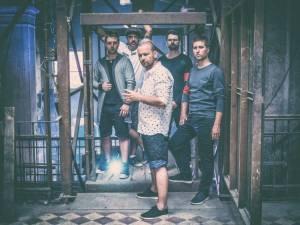 Cocotte Minute vydají v září EP Veď mě. Spolupracovali s rakouským producentem