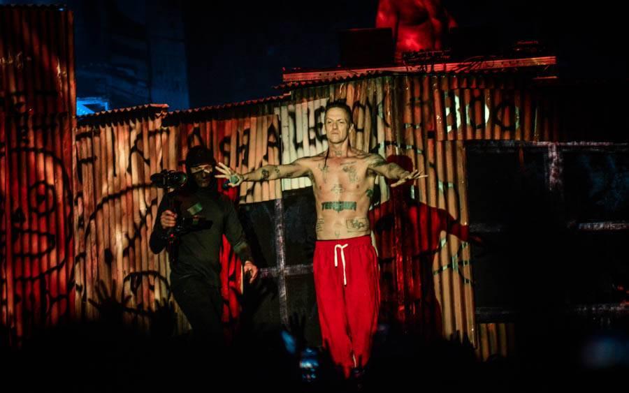 LIVE: Die Antwoord v Praze - Extrémní porce energie, šílené tanečky, holé zadky i surfování na lidech