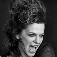 RECENZE: Marta Jandová si udělala radost sólovou deskou Barvy
