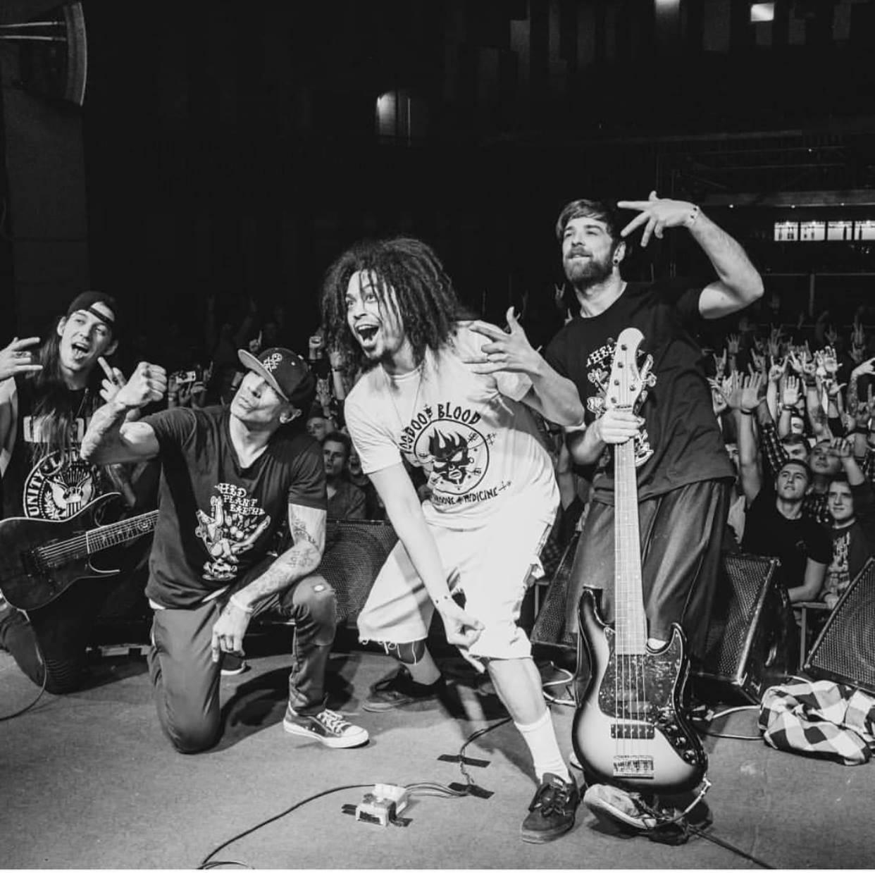Kalifornští Hed PE se vrací do Prahy. Směsici nu-metalu, punku, rapu i rocku předvedou v Chapeau Rouge