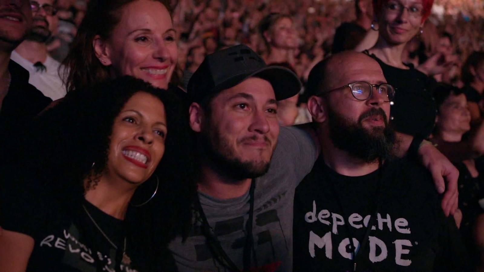 RECENZE: Náboženství jménem Depeche Mode ve filmu, který fanoušky dojme k slzám