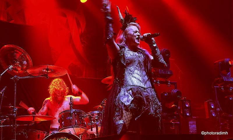 LIVE: HammerFall opanovali souboj power metalových vah ve Foru Karlín