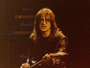 V den svých 66. narozenin zemřel Paul Chapman, kytarista UFO