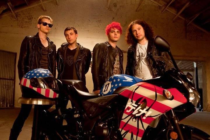 Emo kapely, které kdysi udávaly styl: Co se stalo s My Chemical Romance či Panic At The Disco?