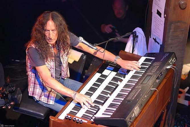 Zemřel Ken Hensley, zakládající člen Uriah Heep