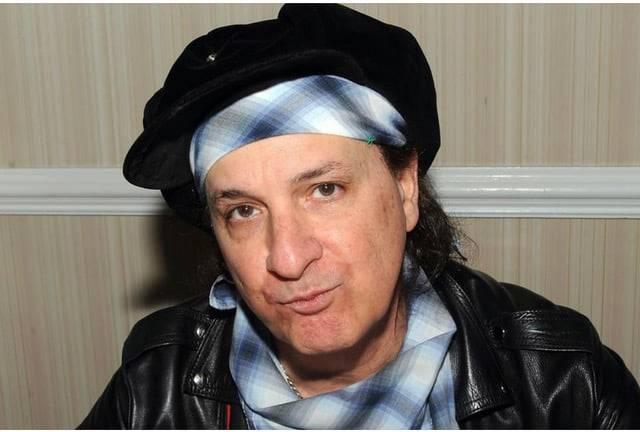 Zemřel kytarista Sylvain Sylvain, spoluzakladatel The New York Dolls