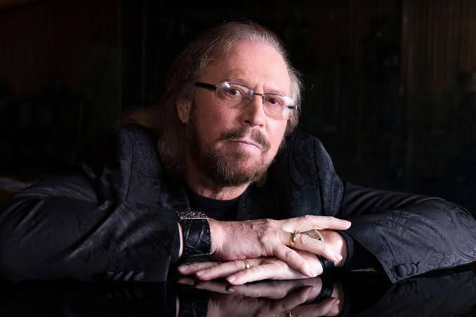 Barry Gibb připravuje další dokument o Bee Gees, produkovat ho bude King stojící za Bohemian Rhapsody