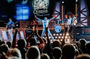 The Show Must Go Home! Queenie odehrají velkolepou online show, fanouškům nabídnou unikátní zážitek