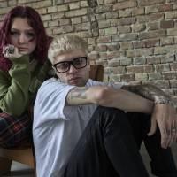 Karin Ann vydala singl s britským rapperem Macca Wilesem, zpívají o toxických vztazích