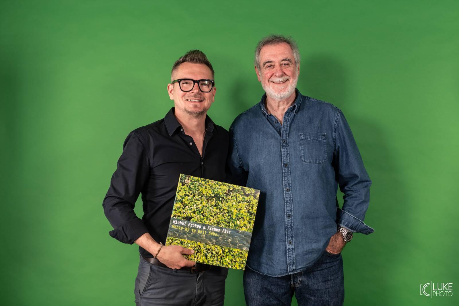 VIDEOROZHOVOR   Michal Prokop: Nová deska je plná návratů a odkazů k mým vzorům