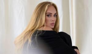 Adele láme s porozchodovým videoklipem rekordy a oznamuje nové album