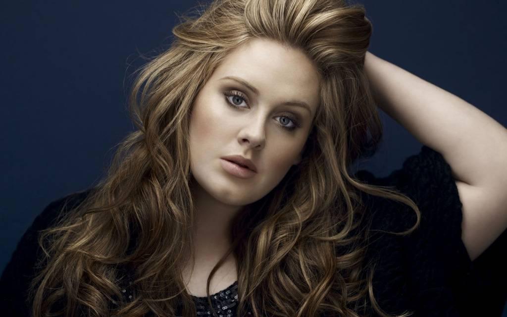 Adele je zpět! Novou písničkou zaskočila fanoušky během britského X Factoru