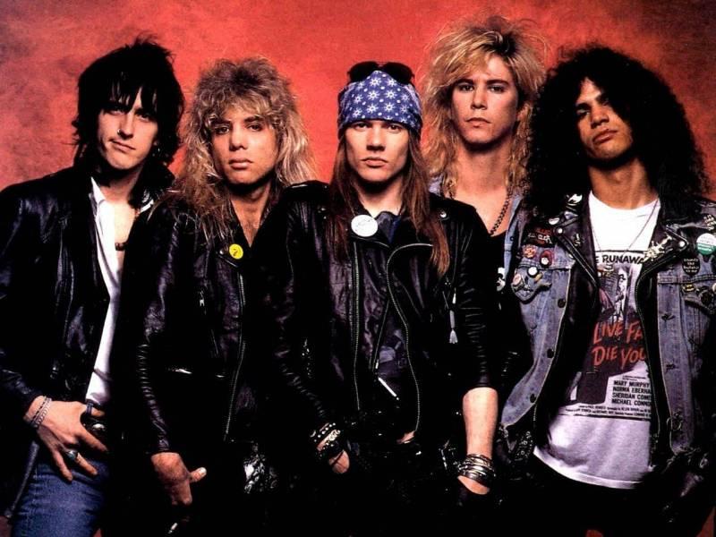 Návrat Guns N' Roses i se Slashem? Všichni o něm už vědí!