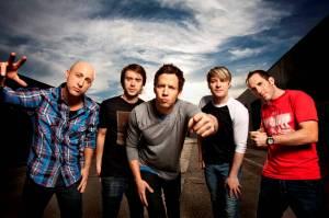 Simple Plan se vrátí do Prahy, zahrají i písně z nové desky