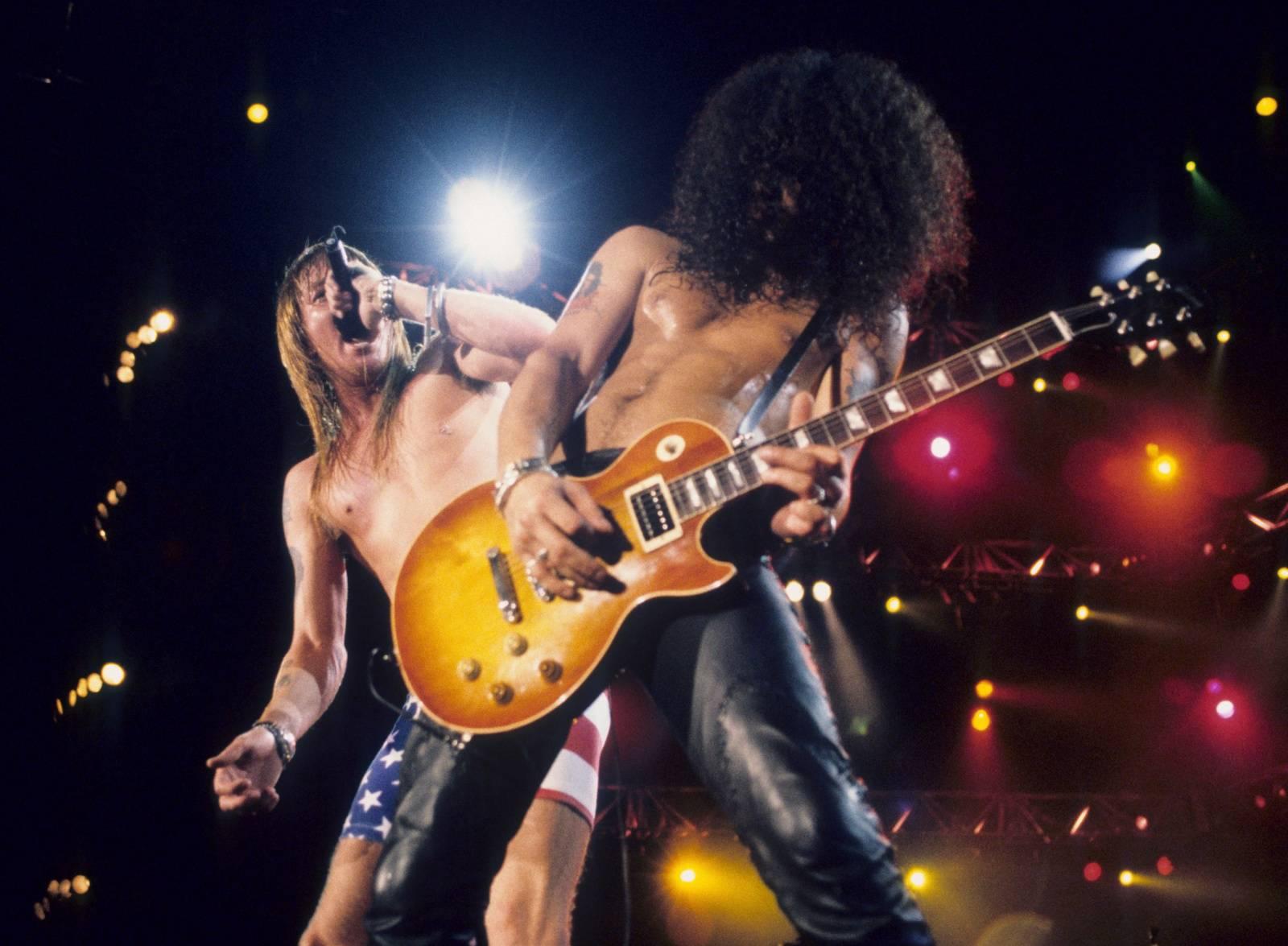Je to tady! Slash se skutečně vrací do Guns N' Roses, první koncert proběhne v dubnu