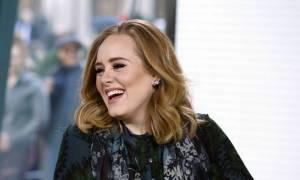 Adele prodala loni 15 milionů kopií alba 25. Nejúspěšnější singl měl Mark Ronson