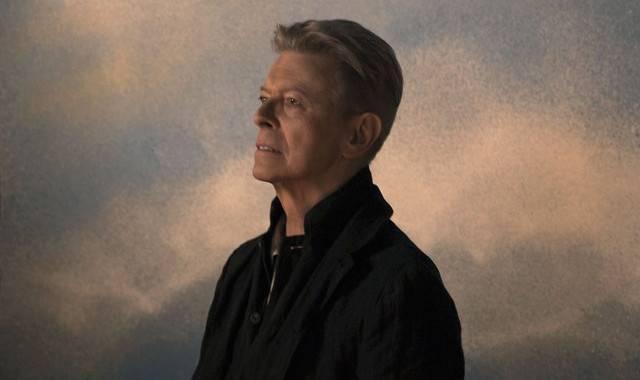 David Bowie nejspíš posmrtně vystrnadí z čela žebříčků Adele