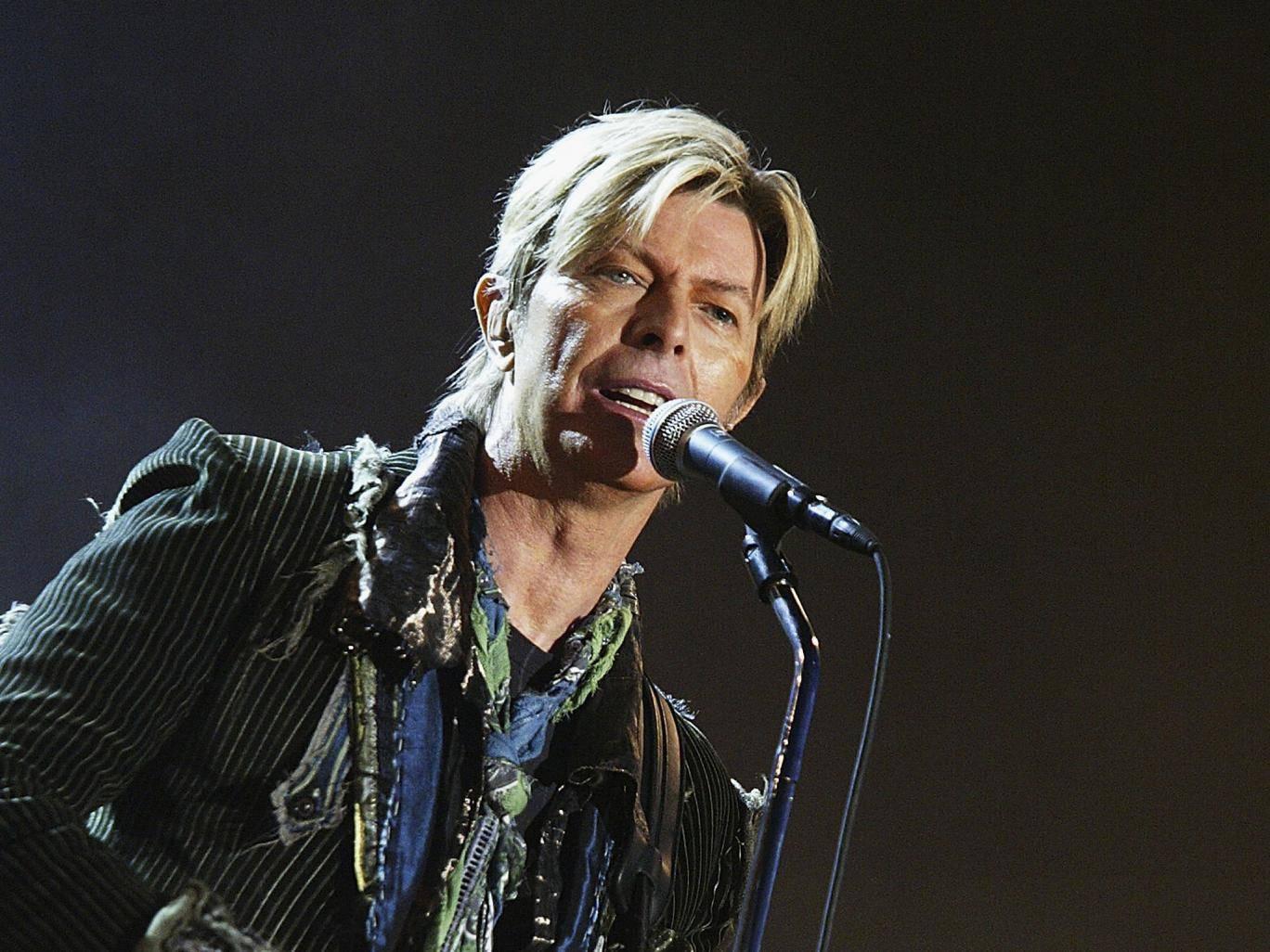 David Bowie byl zpopelněn bez obřadu. V posledních týdnech života nahrával další album