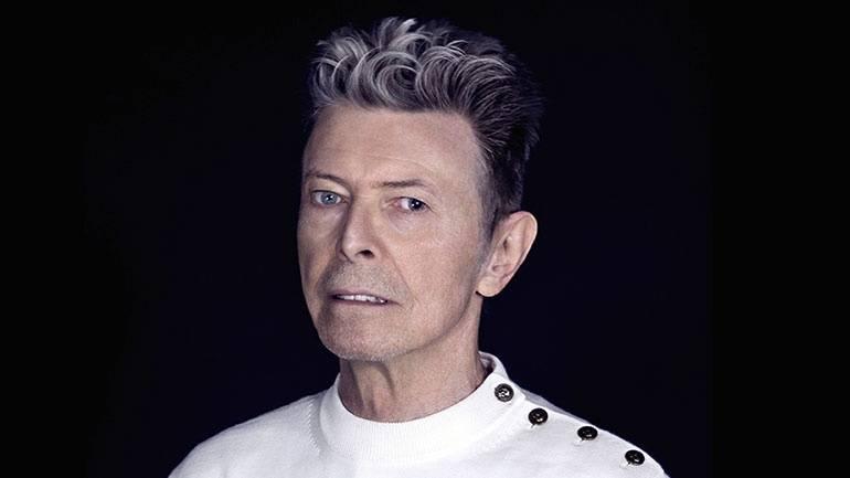 Šílenec, nebo génius? David Bowie připravil sadu alb, která vyjdou po jeho smrti