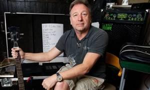Písně Joy Division a New Order zazní v Praze. Přehrají je Peter Hook & The Light