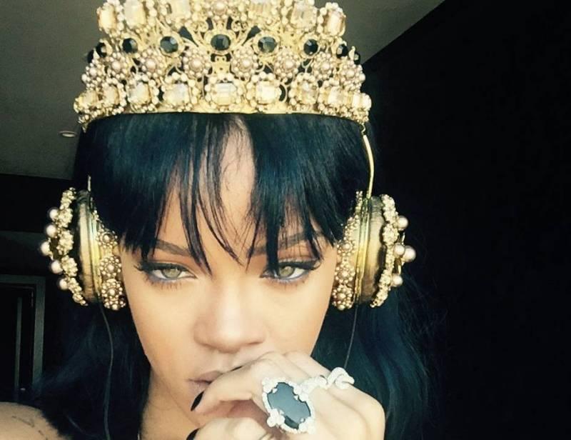 Rihanna už poslouchá své nové album ANTI! Kdy vyjde?